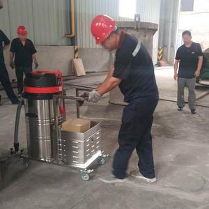 工厂用电瓶式吸尘器案例